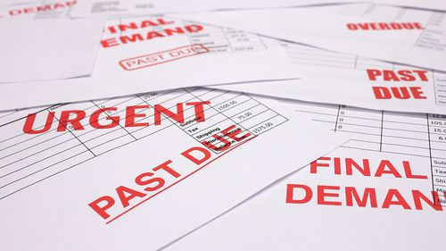Noi reguli pentru recuperatorii de datorii: datornicii vor avea mai multe drepturi