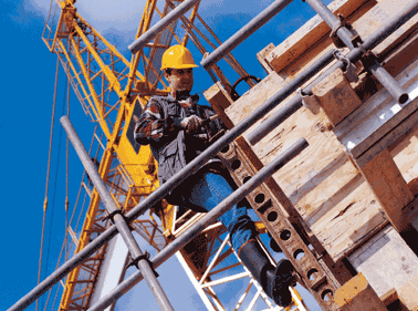 Numărul autorizaţiilor de construire creşte în Bucureşti-Ilfov, însă scade în restul regiunilor