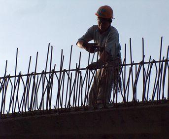 Numărul autorizaţiilor de construire, în scădere cu 3% faţă de primul trimestru din 2010