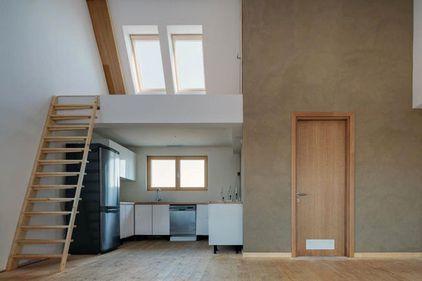 Casa de 45.000 euro, fără facturi  la utilităţi, made in România, a fost premiată la Madrid. Urmează producţia de masă