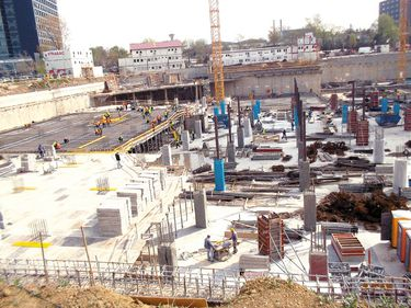 Cum au evoluat în ultima lună şantierele a patru centre comerciale din Bucureşti, proiecte de 400 mil. euro
