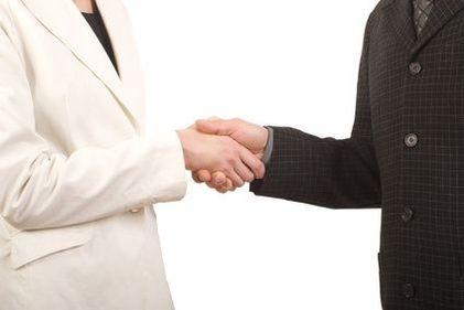 99% dintre clienţi ar alege reprezentarea exclusivă, dacă ar cunoaşte această opţiune