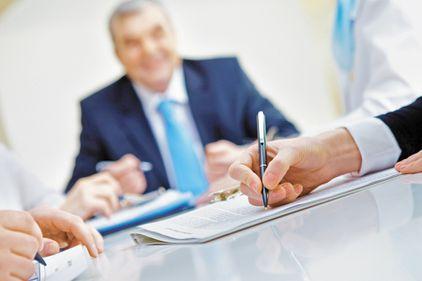 Noile norme de creditare s-ar putea aplica din decembrie. Scumpirea creditelor imobiliare şi ipotecare este încă posibilă