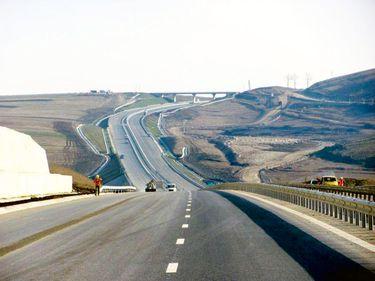 România construieşte rapid autostrăzi, dar rămâne pe ultimul loc la numărul de kilometri construiţi