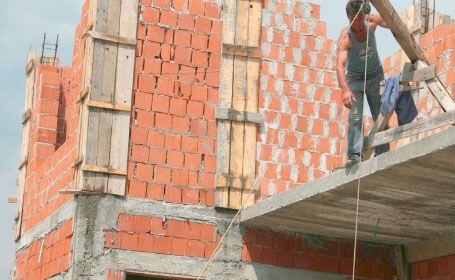 Cum stam cu constructia de locuinte: Romania vs Ungaria si Polonia