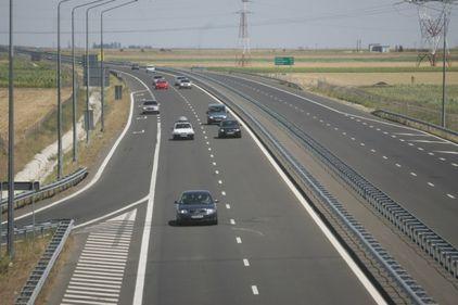 Premierul promite 123 km de autostradă până la sfârşitul acestui an