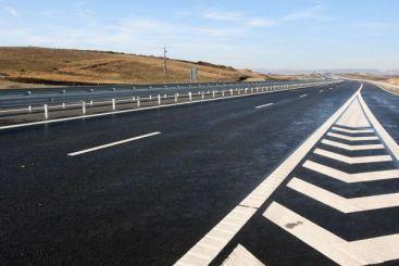 Autostradă din Vestul României, construită la standarde demne de Vestul Europei. Proiect gata cu 9 luni înainte de termen?