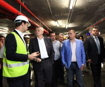 Primarul Sorin Oprescu anunţă pentru a treia oară finalizarea parcării de la Universitate