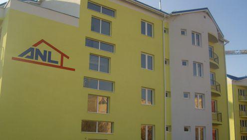 Udrea: 1.500 de locuinţe ANL pentru tineri vor fi finalizate în 2012