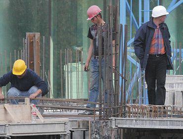 România a avut în octombrie un declin anual al sectorului construcţiilor peste media din UE