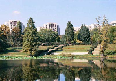 Parcul Circului face ca apartamentele mici din blocurile vechi să se vândă cu preţuri de lux