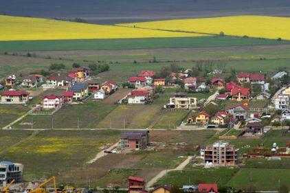 Grila notarilor 2011: Cu cât au scăzut terenurile în principalele localităţi din jurul Capitalei?