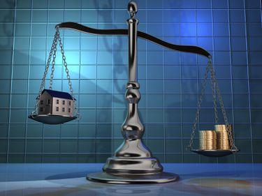 O lege imobiliară atacă miniștri, consilieri și afaceriști fără scrupule