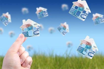 Piața imobiliară poate transforma economiile mici în afaceri profitabile