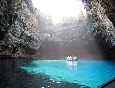 Grecia se pregăteşte de vacanţă cu două noi destinaţii