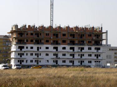 Câţi români s-au încumetat să îşi facă o casă în 2011?