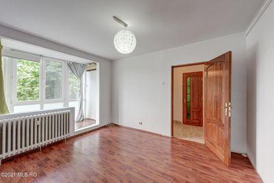 Apartament 3 camere 60 mp