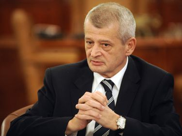Oprescu: În Bucureşti este nevoie de 15.000 de locuinţe