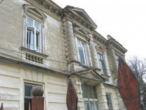 Construcţiile degradate vor fi reabilitate arhitectural pe cheltuiala proprietarului