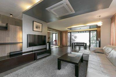 Apartament 6 camere 216 mp