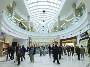 Piaţa românească mai poate absorbi 780.000 metri pătraţi de spații comerciale, adică 20-30 proiecte