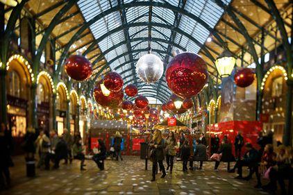Sărbătorile de iarnă şi-au pierdut strălucirea anilor trecuţi, într-o Europă lovită de recesiune