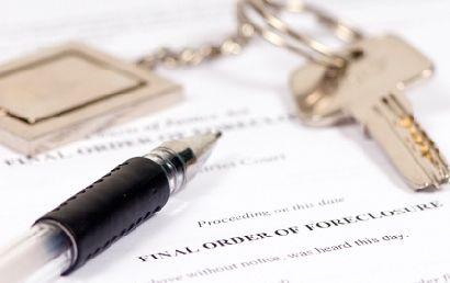 Legi noi, mai dure: locuințe executate pentru datorii neglijabile și penalități uriașe pentru restanțieri