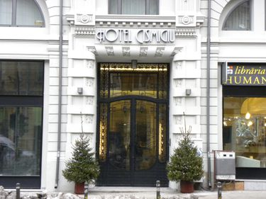 Emblemă a Capitalei, readusă la viaţă: Hotel Cişmigiu speră să recâştige faima de altă dată