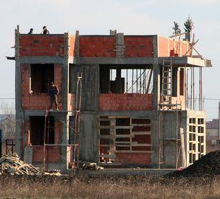 Numărul autorizaţiilor de construire a scăzut cu 8,6% în ianuarie