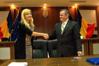 Elena Udrea investeşte aproape 15 milioane euro în două licee de Capitală