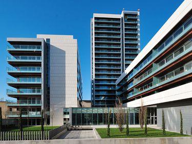Dezvoltatorul Alia Apartments caută o soluţie pentru a evita falimentul
