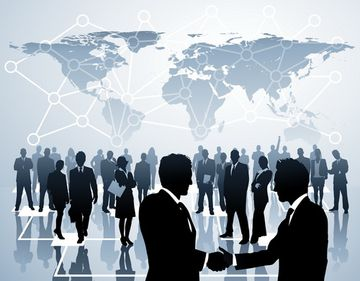 Viitorul centrelor comerciale şi tendinţele din retail, analizate în cadrul Real Estate Forum 2013