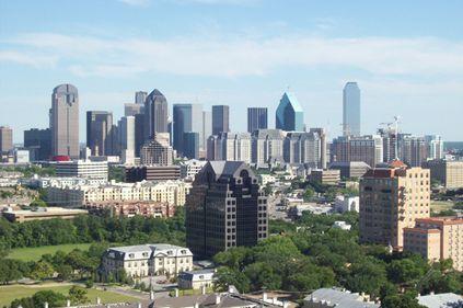 Dallas, oraşul american caracterizat de zgârie-nori şi clădiri de sticlă
