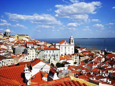 Portugalia implementează noi măsuri, cu intenţia de a ademeni investitori imobiliari străini