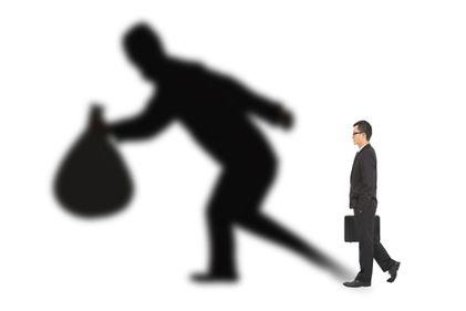 Frauda din spatele conversiei creditelor în franci elvețieni: speculatorii aveau de câtigat mai mult decât clienții de bună credință