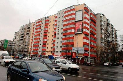 Investitorii imobiliari au adus cu 35% mai mulţi bani la subsidiarele din România în acest an