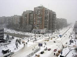 România aşteaptă apartamentele construite pentru bugetele de criză. Între timp, blocurile comuniste sunt cele mai atractive.