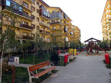 Numărul românilor care au făcut tranzacţii imobiliare a crescut în 2011