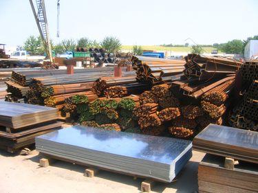 Guvernul vrea să reducă TVA la materialele de construcţii