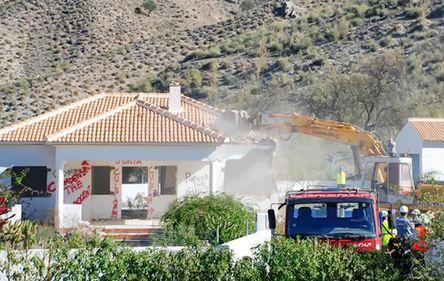 Spania, zguduită de scandalul construcțiilor ilegale. Proprietarii străini, despăgubiți înainte de demolare