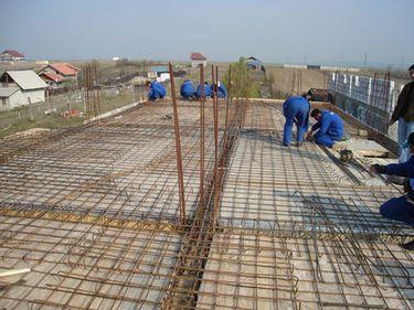 Numarul autorizatiilor pentru constructia de locuinte a scazut cu 13% in primele noua luni din 2010