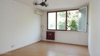 Apartament 3 camere 61 mp