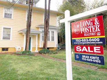 Americanii nu mai cumpără case chiar dacă s-au ieftinit cu 30%