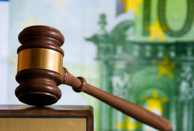 ANPC nu poate suspenda activitatea de creditare a unei bănci